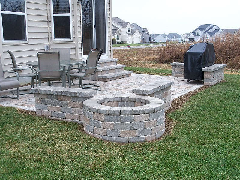 stunning paver patio  09