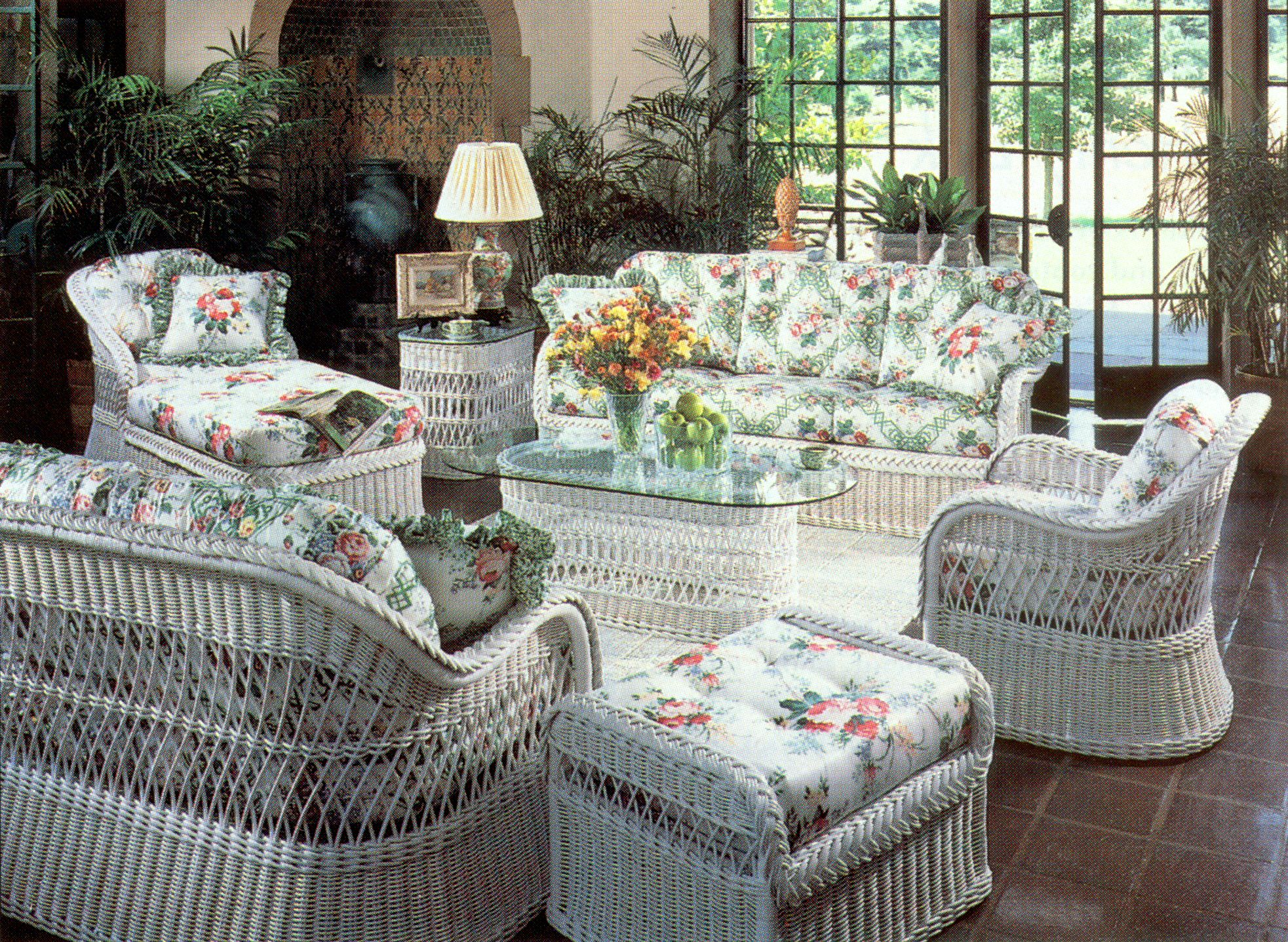 white wicker patio furniture  79