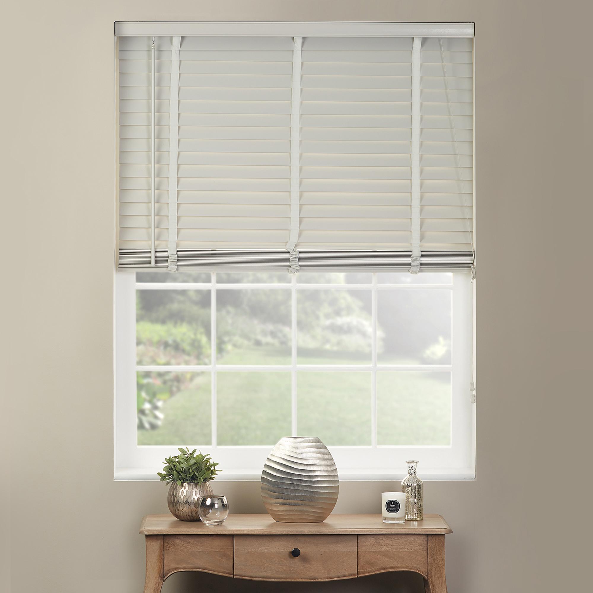 white wooden venetian blinds  11