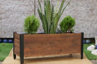 wooden planter boxes  35