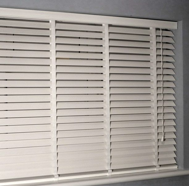 wooden venetian blinds  30
