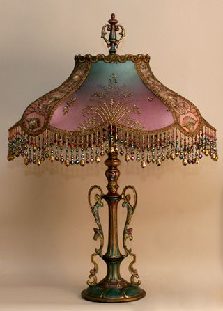 Art Nouveau style victorian lampshade - this site has so many