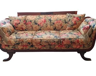 Antique sofa and its benefits