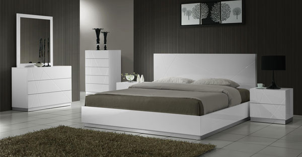 High Gloss Furniture: High Gloss Bedroom, Dining Room Furniture - CFS UK
