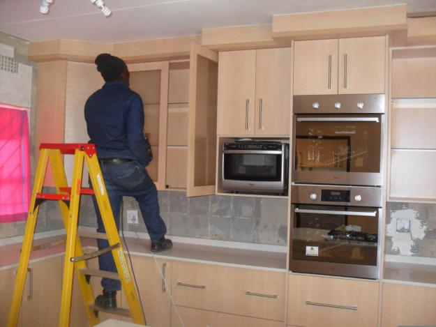 Kitchen built in cupboards, closets, wadrobes, vanities. in South