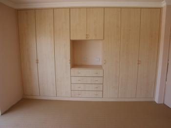 EC Woodworth Pty Ltd - Built in Cupboards - Melamine