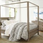 How to decorate canopy beds?