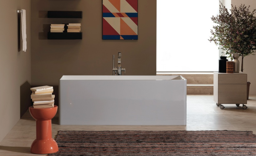 Bathroom with corner bath: here's some tips