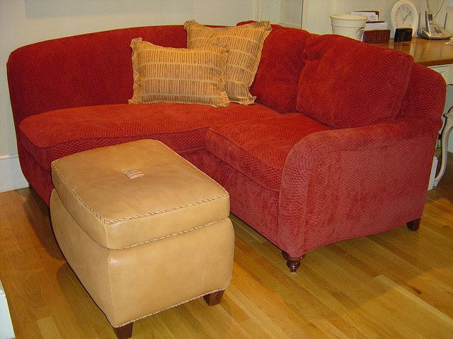 Corner loveseat/chaise with ottoman | Newest Apartment Ideas