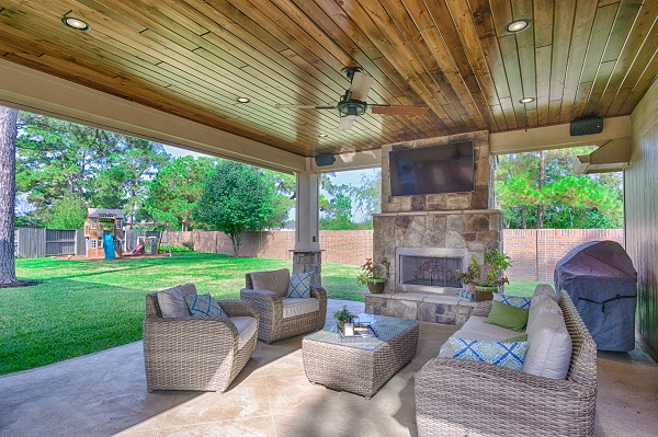 Covered Patio & Fireplace Design & Construction in Spring Texas