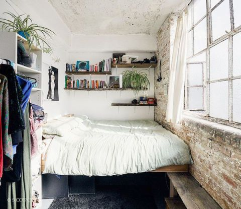 15 Tiny Bedrooms To Inspire You | bedroom // nook // studio | Home