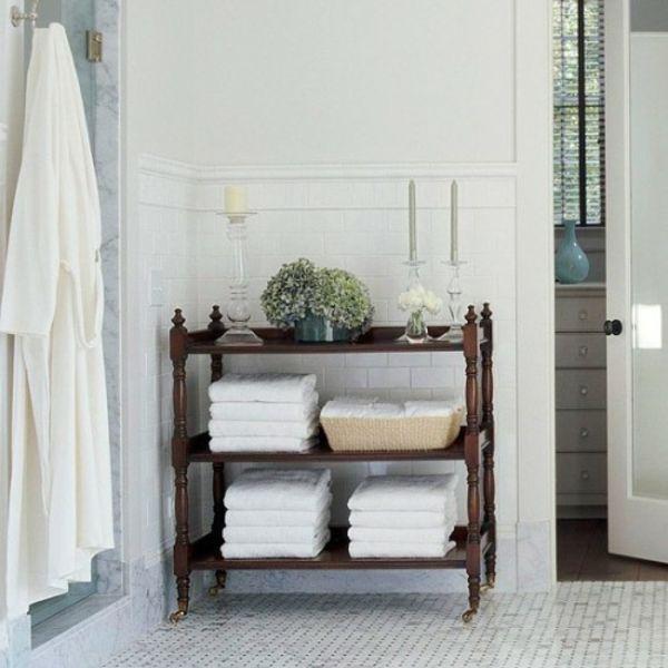 20 Really Inspiring DIY Towel Storage Ideas For Every Small Bathroom