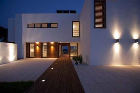 Guidelines when selecting exterior sconce lights - Lighting and