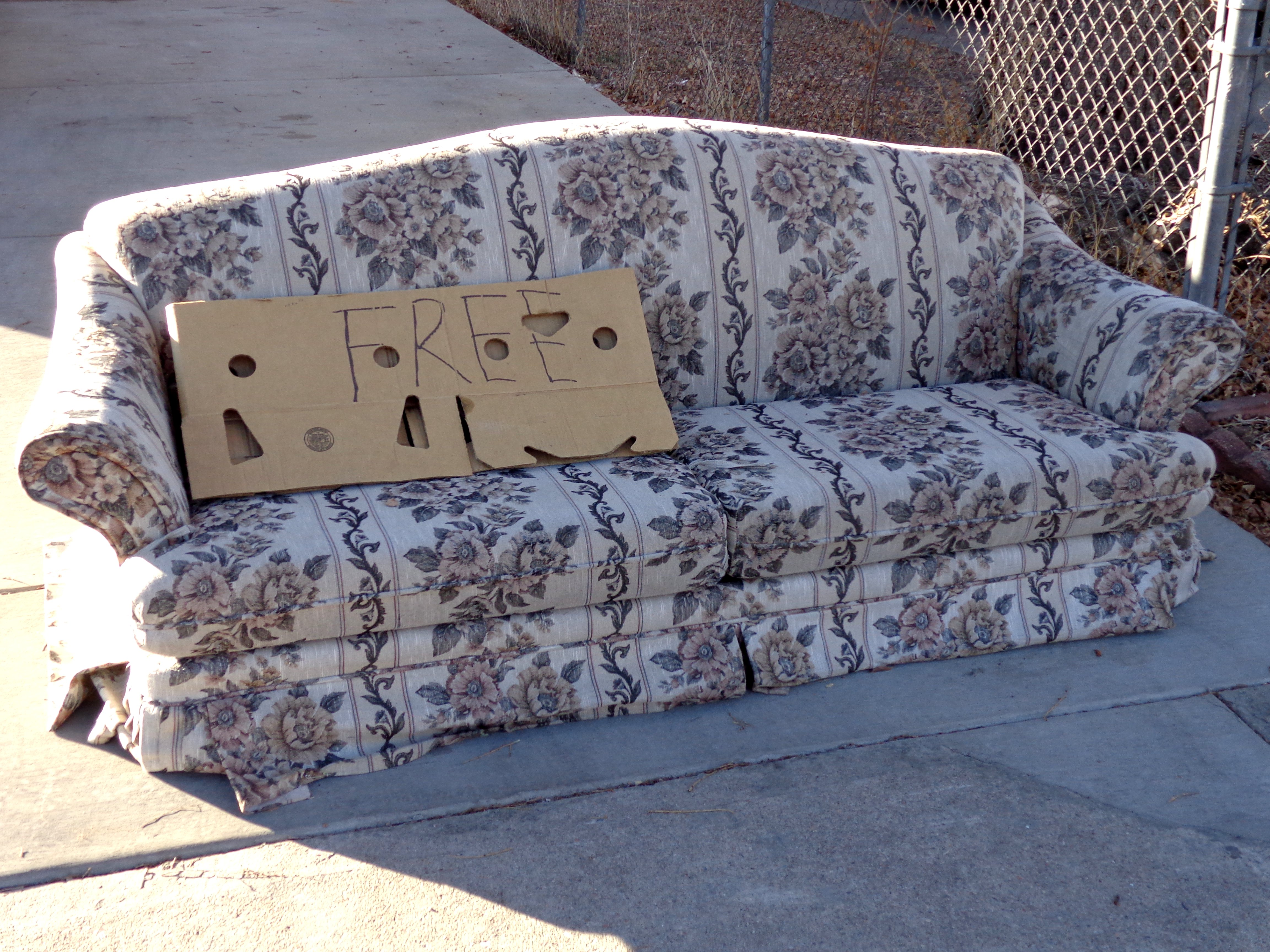 The making of the free couch