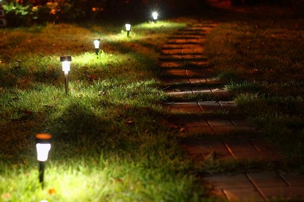 Cheap Garden Lighting: Top Six Ways To Light Your Garden On a Budget