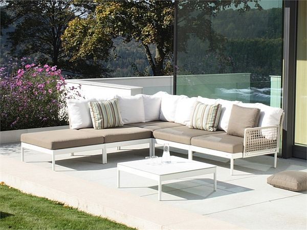 Modular lodge lounge furniture for the garden