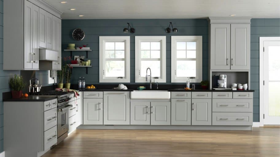 How to Choose Kitchen Cabinet Colors | Angie's List