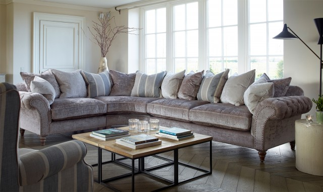 Thomasville Extra Large Corner Sofa Group Fishpools With Ideas