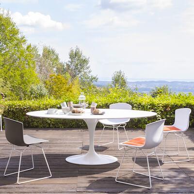Modern outdoor furniture:   beautiful and sleek