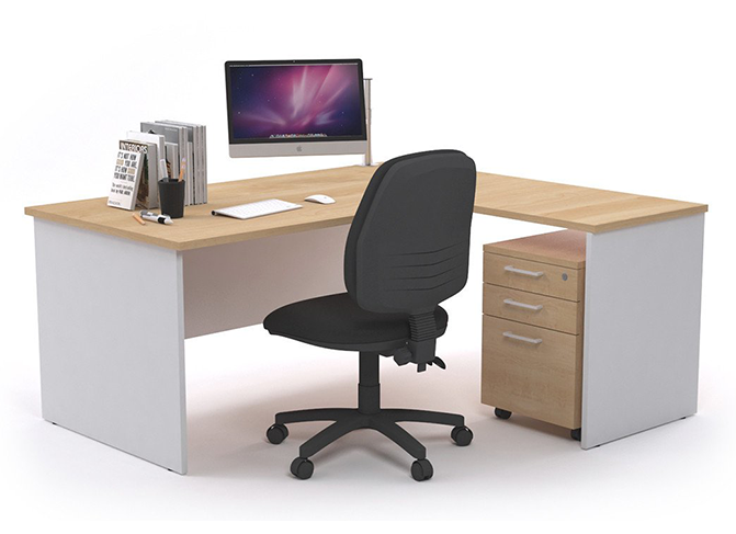 Things to consider while   buying office table and chairs
