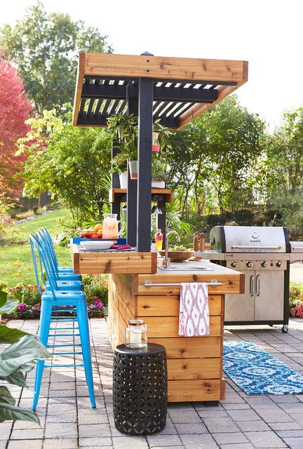 Outdoor Bar and Grill