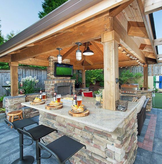 What an Outdoor bar has to   offer?