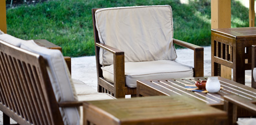 How to Clean Outdoor Patio and Deck Furniture | Today's Homeowner