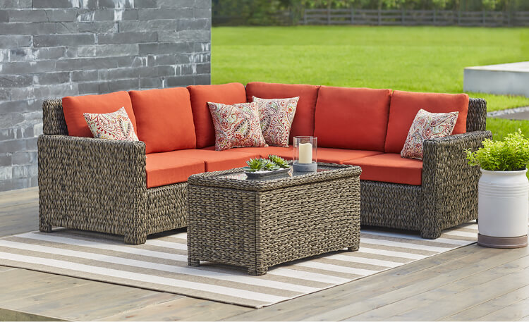 Spruce up your home with  outdoor deck furniture