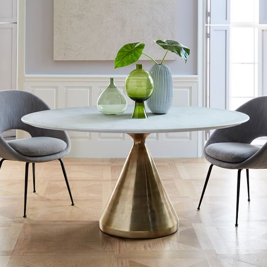 Significance of oval dining   table