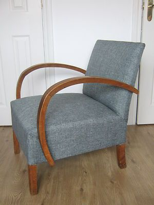 STYLISH VINTAGE RETRO ARMCHAIR CURVED WOODEN ARMS READING CHAIR