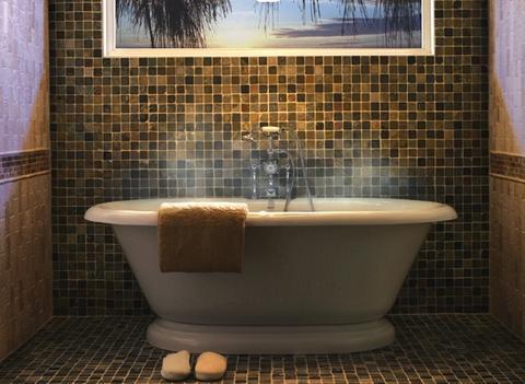 Choosing the Right Bathtub - Rustic Sinks