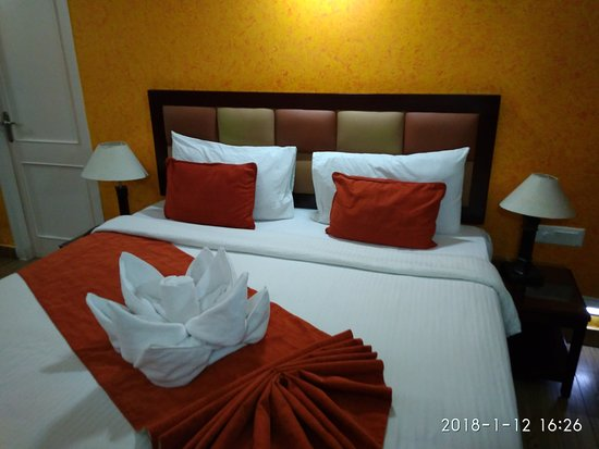 Room decoration - Picture of Club Mahindra Mussoorie, Mussoorie