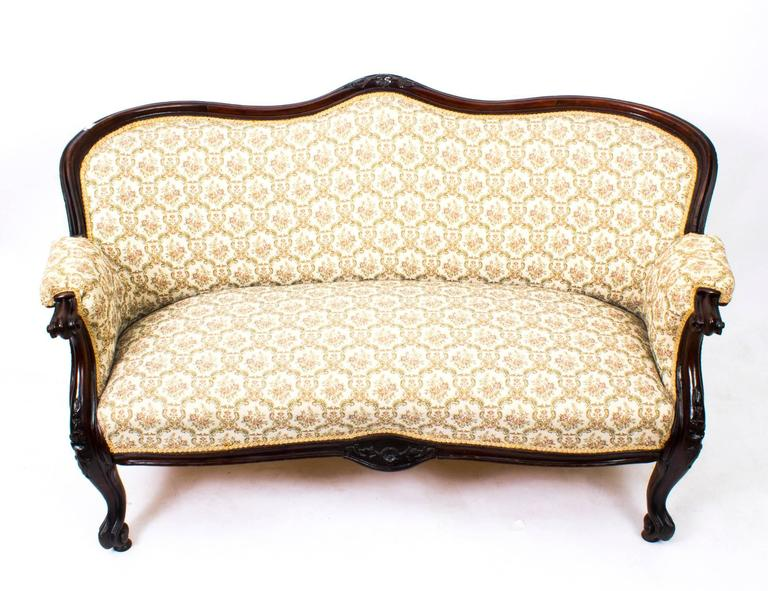 19th Century Victorian Mahogany Two-Seat Settee Sofa at 1stdibs