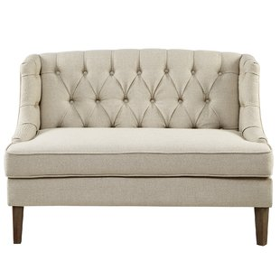 Use a settee sofa for your   living room interior decor