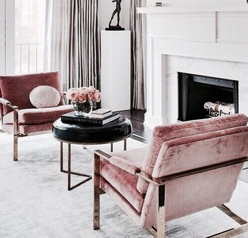 Pink accent chairs perfect for this all white living room | Décor