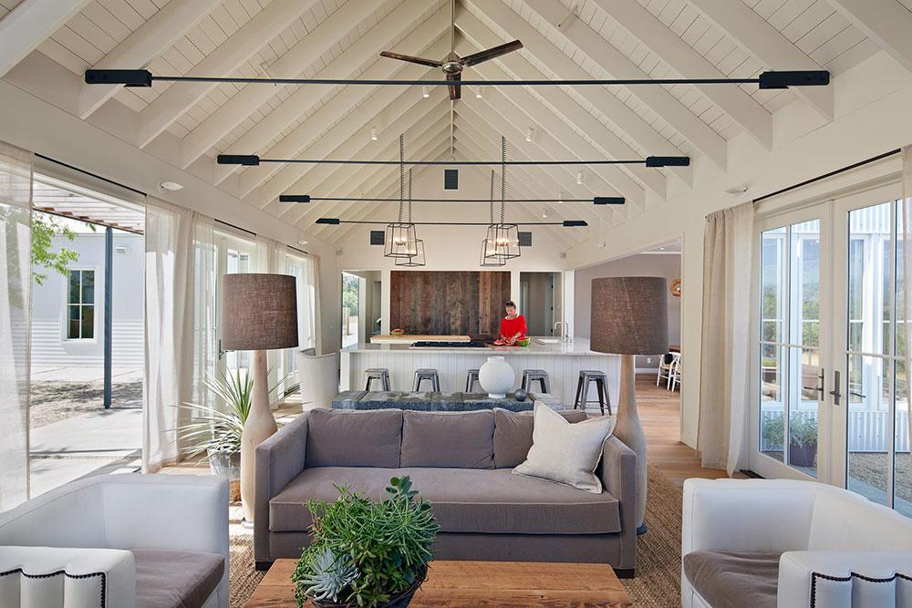 Healdsburg-Residenz-von-Nick-Noyes-Architektur What is the standard ceiling height for a house?  (Replied)