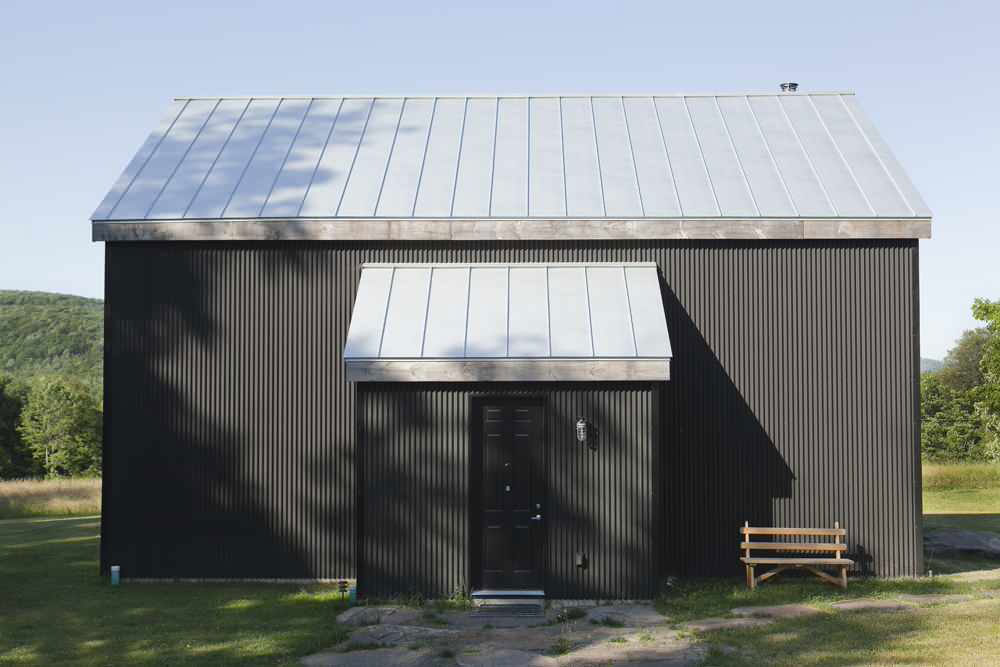 Bovina-House-by-Kimberly-Peck-Architekt The only guide to painting aluminum siding you need