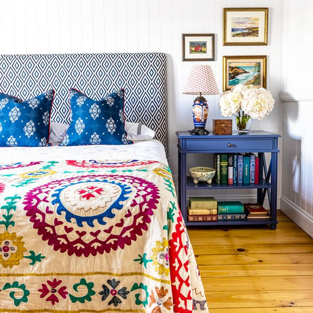 30 Small Bedroom Design Ideas - How to Decorate a Small Bedro