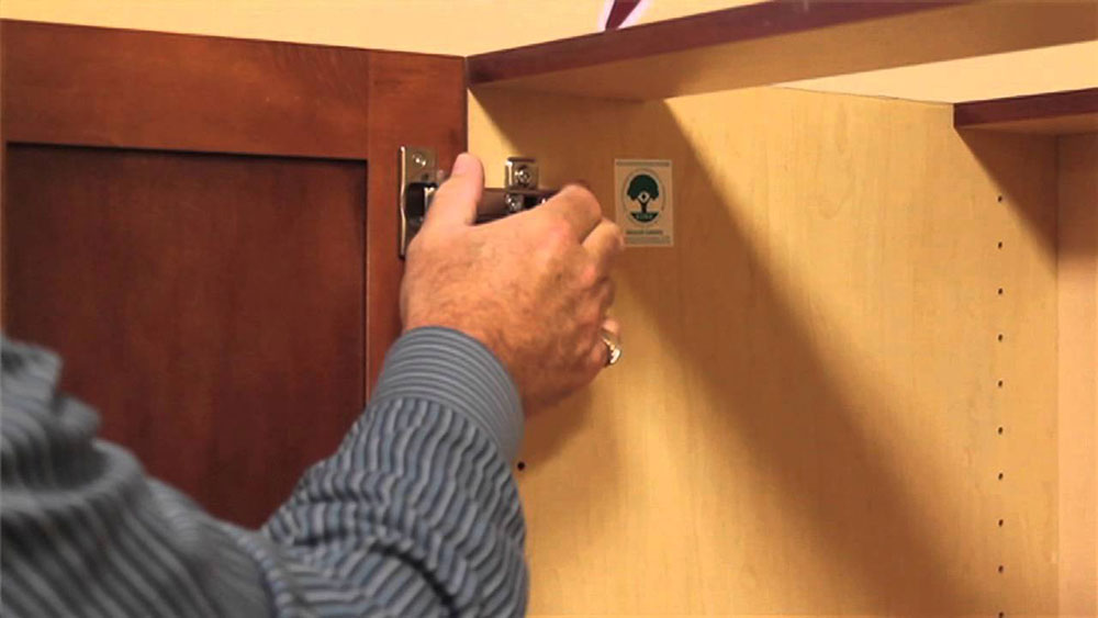Cabinet fittings How to paint bathroom cabinets and make them look good