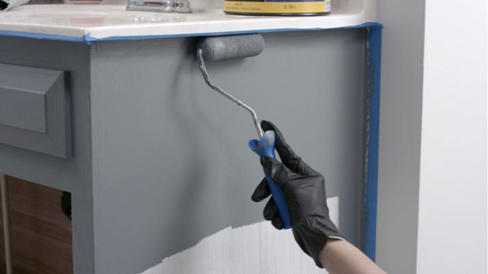 Paint-the-Cabinet How to paint bathroom cabinets and make them look good