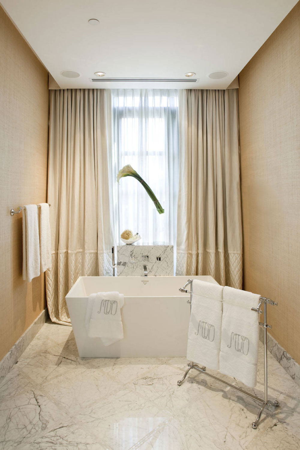 Jamie-Herzlinger-by-Jamie-Herzlinger Where to hang wet towels in a small bathroom