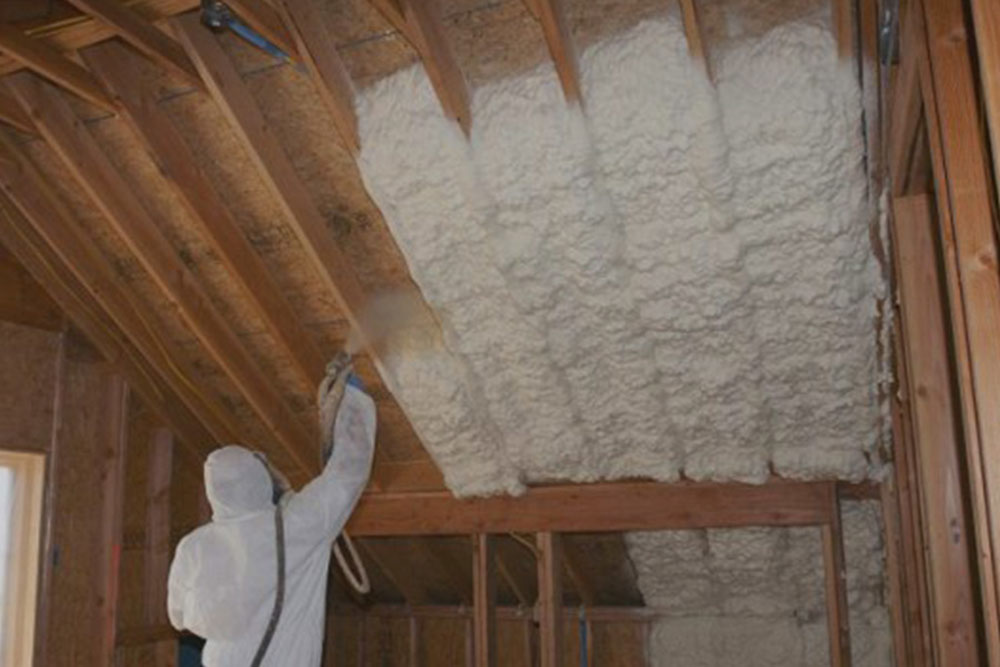 Spray foam insulation with closed spray against glass fiber, and that's better