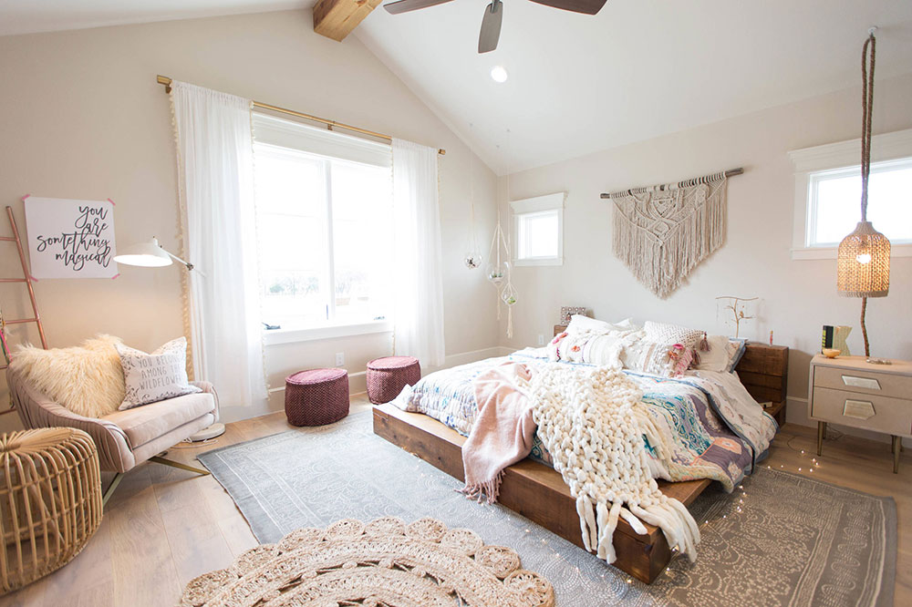 Rustic-Contemporary-Bedroom-by-Urbanology-Designs The best tips for interior design and decoration of the 70s that you can use