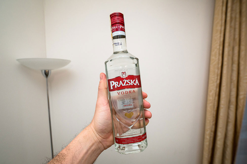 Vodka1 How to get rid of flies outside?  Easy to use ideas