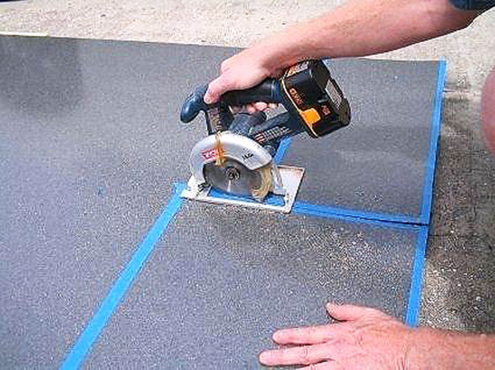 Measurement1 Cutting laminate worktops and using the circular saw blade