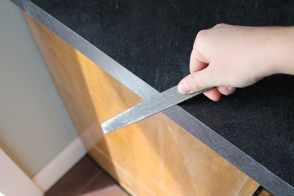 Sand How do you cut a laminate board and which circular saw blade should be used?