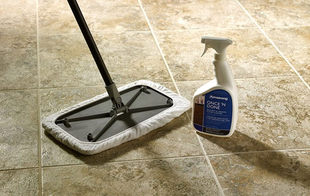 Floor cleaning3 How to clean the shower base and make it sparkling clean