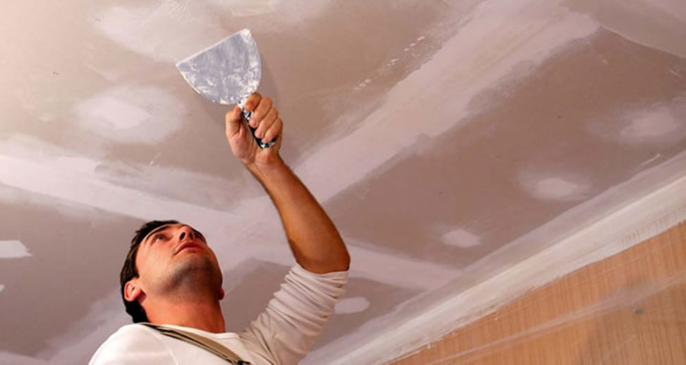 Apply plaster How to repair plaster walls and ceilings in your house