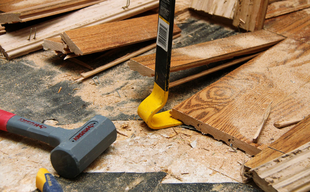 tools-1 How to remove hardwood floors without problems