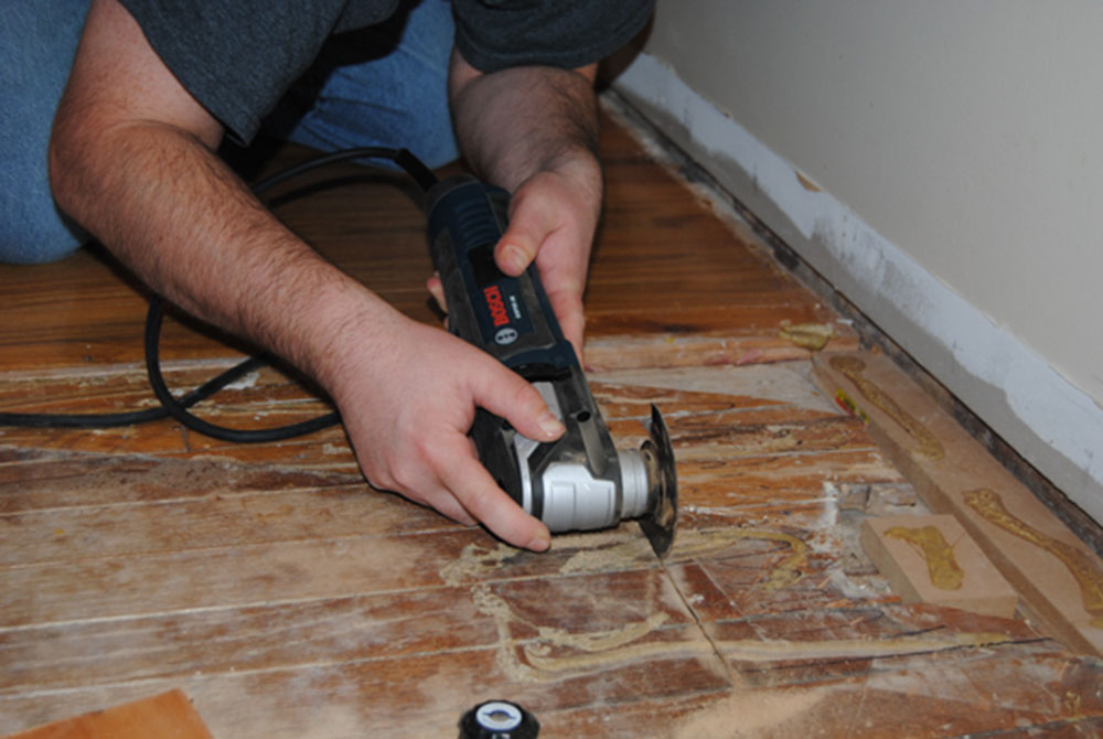 Circular saw How to remove hardwood floors without problems